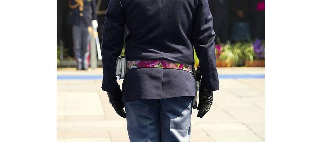 F1 01 militar cinturón flores firmes desfile fotomontaje jose camara