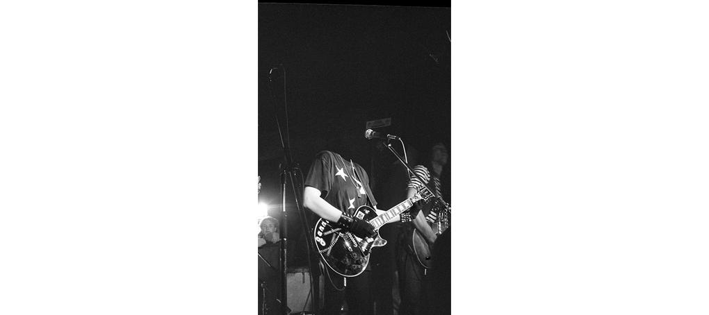 my commons 06 punk beheaded gig guitar Jose camara