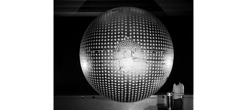 my commons 14 beheaded big silver ball experiment Jose camara